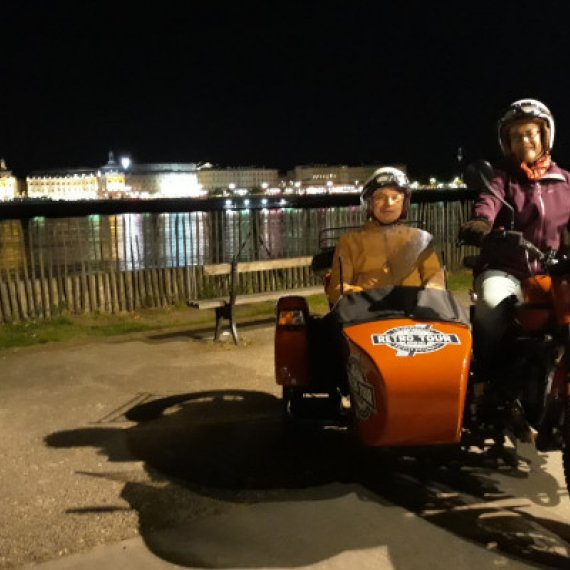 Balade de nuit en side-car à Bordeaux